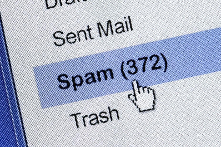 Spam sulla mail aziendale? Ecco come evitarle e come proteggersi